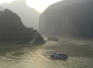 Up Stream Yangtze River Cruise